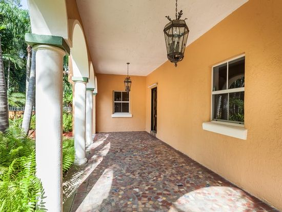 825 Coral Way, Coral Gables, FL 33134