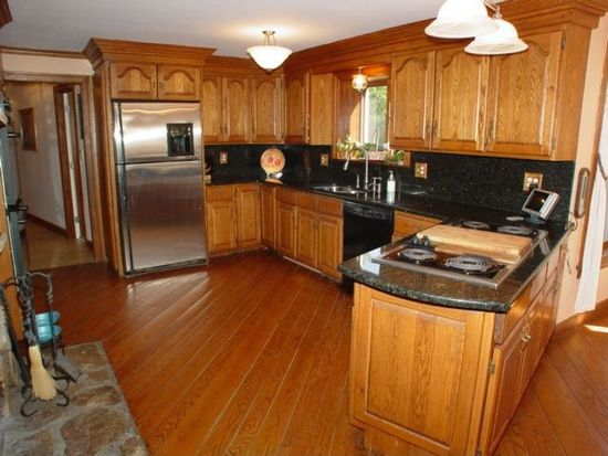 1521 Great Pond Rd, North Andover, MA 01845