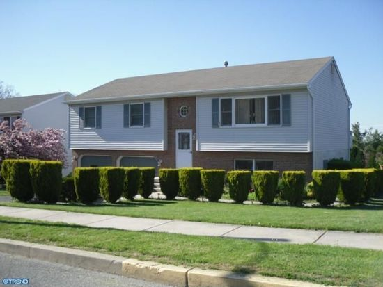 2801 Rebecca Dr, Sinking Spring, PA 19608