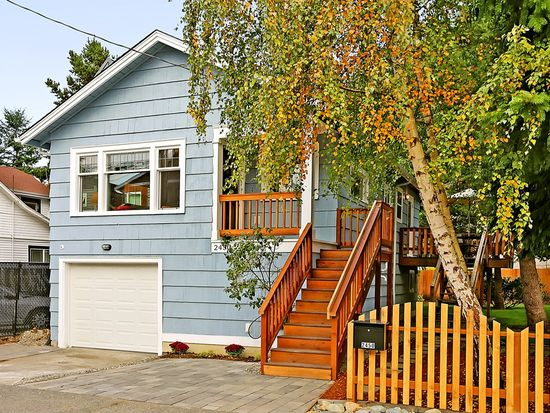2450 55th Ave SW, Seattle, WA 98116