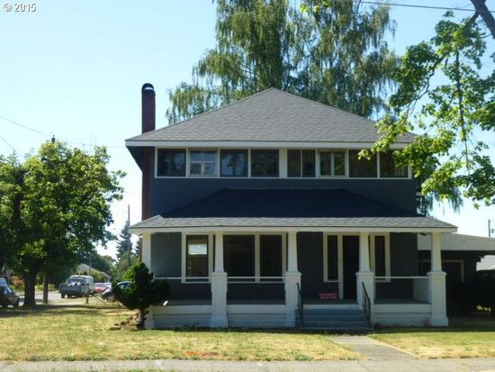 224 S Swiegle Ave, Molalla, OR 97038