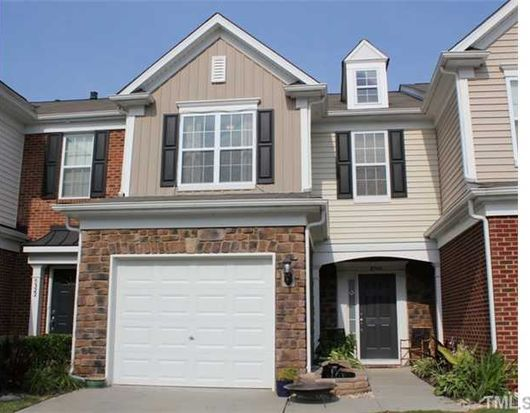 8320 Pilots View Dr, Raleigh, NC 27617