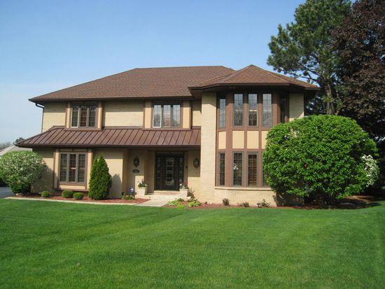 204 Wood Glen Ln, Oak Brook, IL 60523