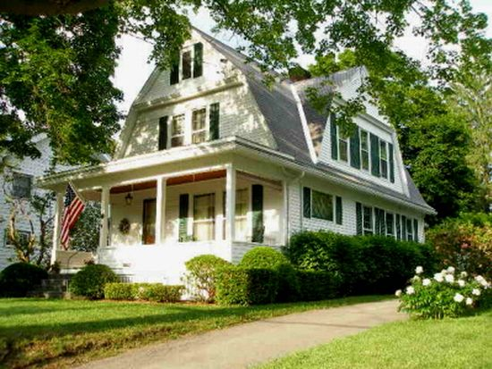 97 Pioneer St, Cooperstown, NY 13326