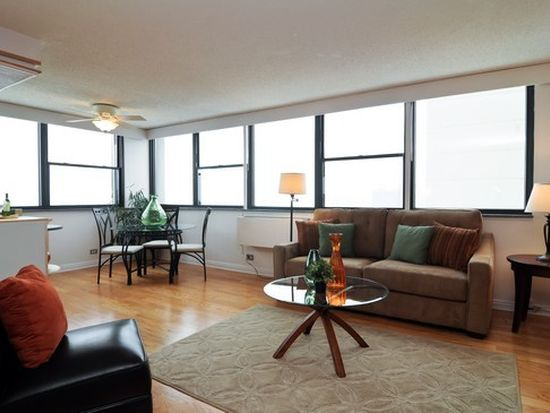2700 N Hampden Ct APT 17A, Chicago, IL 60614