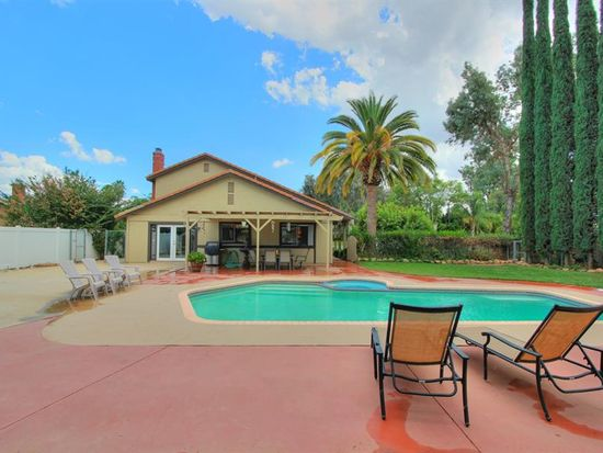 134 Kenwood Dr, Redlands, CA 92374