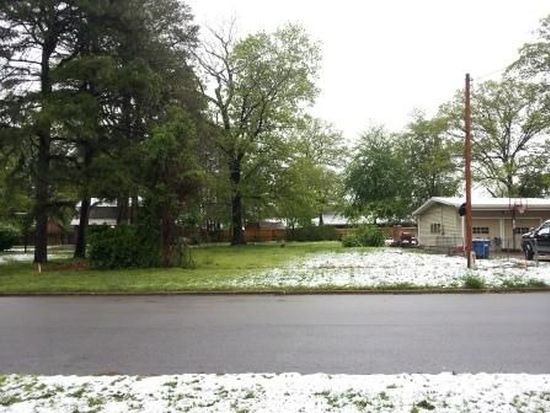 904 NW B St, Bentonville, AR 72712