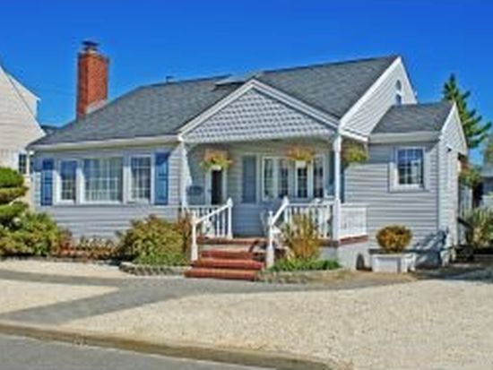 19 S 33RD St, Beach Haven, NJ 08008