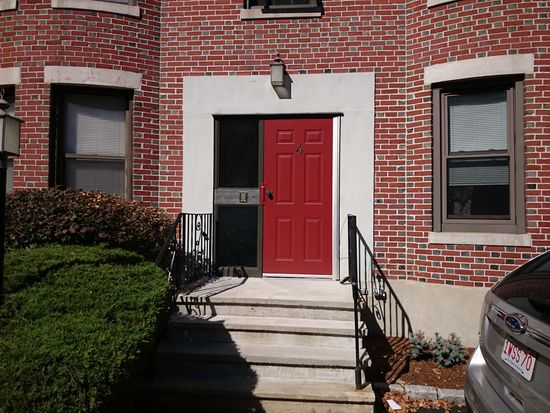 4 Cypress Rd APT 405, Boston, MA 02135