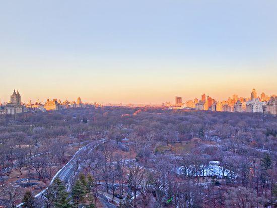 106 Central Park S APT 21A, New York, NY 10019
