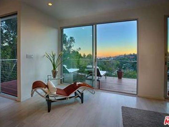 7534 Mulholland Dr, West Hollywood, CA 90046
