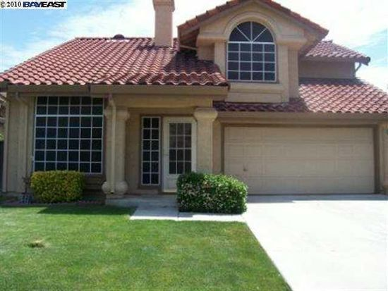 2930 Golden Springs Dr, Tracy, CA 95376