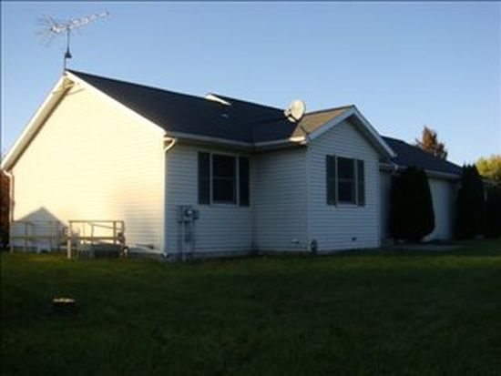 12378 Stoney Dr, Middlebury, IN 46540