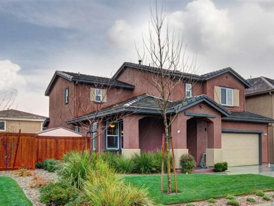 2228 Newcastle Dr, Vacaville, CA 95687