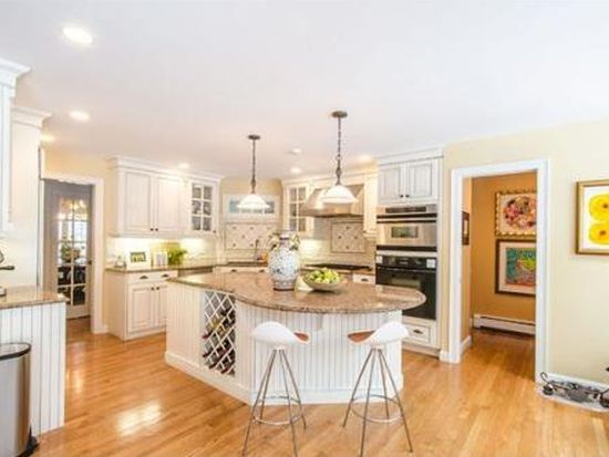 4 Temple Rd, Wellesley, MA 02482