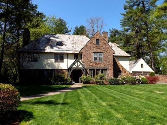 49 Sycamore Rd, West Hartford, CT 06117