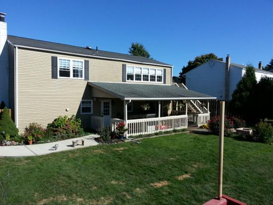 106 Hoch Ave, Topton, PA 19562