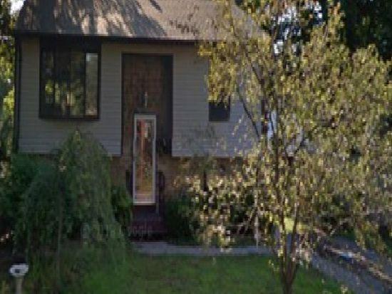 114 Wilbur Ave, Warwick, RI 02889