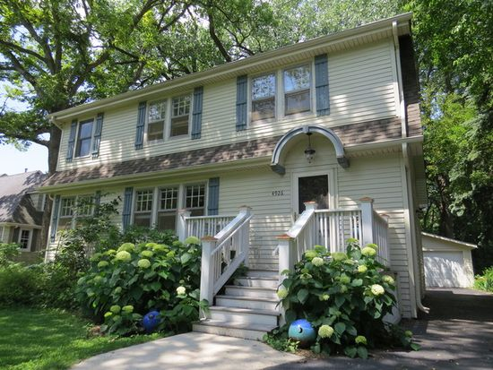 4926 Montgomery Ave, Downers Grove, IL 60515