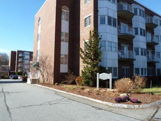 148 Main St APT F241, North Andover, MA 01845