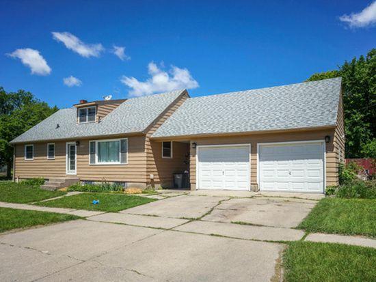 1902 8th Ave N, Moorhead, MN 56560