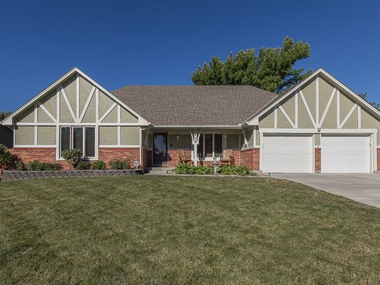 212 NE Bordner Dr, Lees Summit, MO 64086