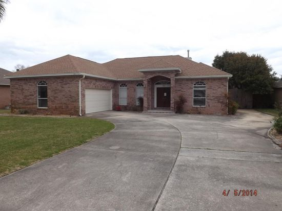 151 Long Pointe Dr, Mary Esther, FL 32569