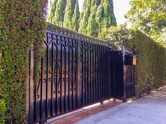 8984 Lloyd Pl, West Hollywood, CA 90069