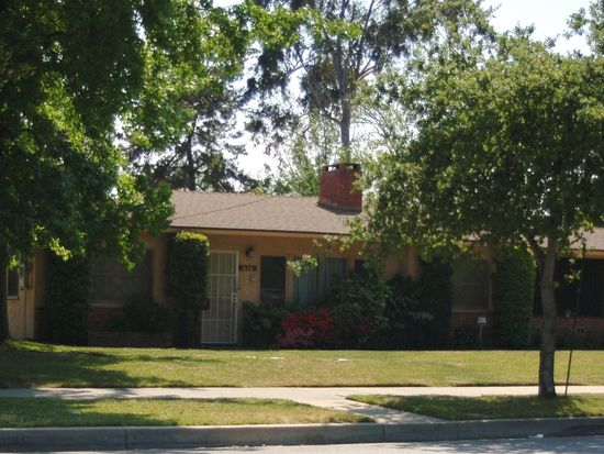 616 E Woodbury Rd, Pasadena, CA 91104