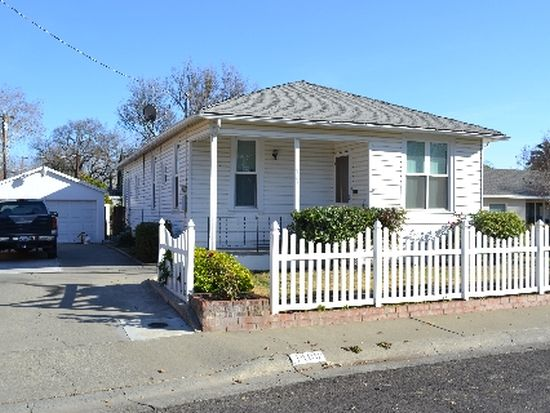 1109 Mckinley Ave, Woodland, CA 95695