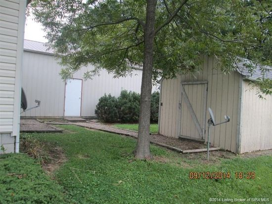 1252 Ray Lee Dr, Charlestown, IN 47111