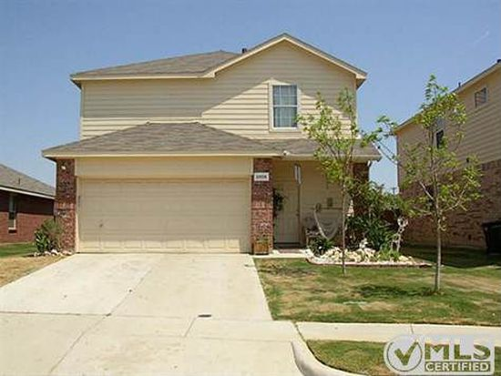 2805 Coyote Ridge Dr, Fort Worth, TX 76244