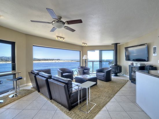 2595 Ocean Front Walk APT 7, San Diego, CA 92109
