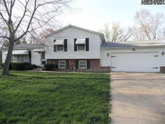 236 N Oakmont Dr, Northfield, OH 44067