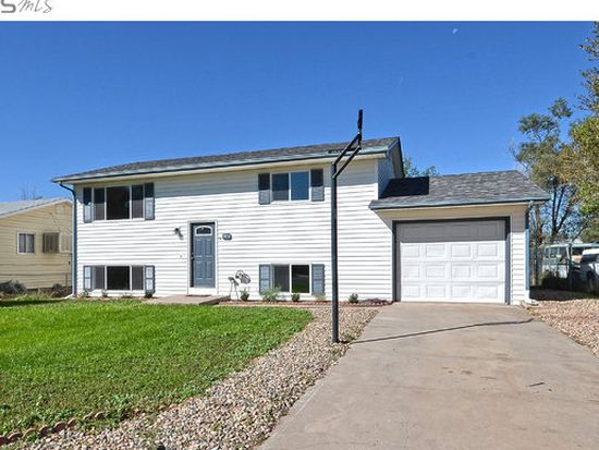 7853 2ND St, Wellington, CO 80549