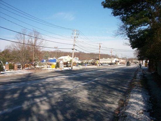 53 E Deer Park Rd, Dix Hills, NY 11746