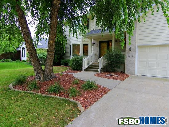 3412 Scenic Valley Dr, West Des Moines, IA 50265