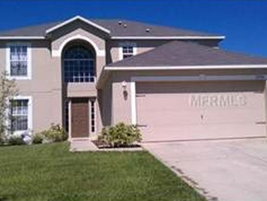 13220 Waterford Castle Dr, Dade City, FL 33525