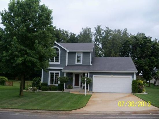 25895 Fox Tail Trl, South Bend, IN 46628