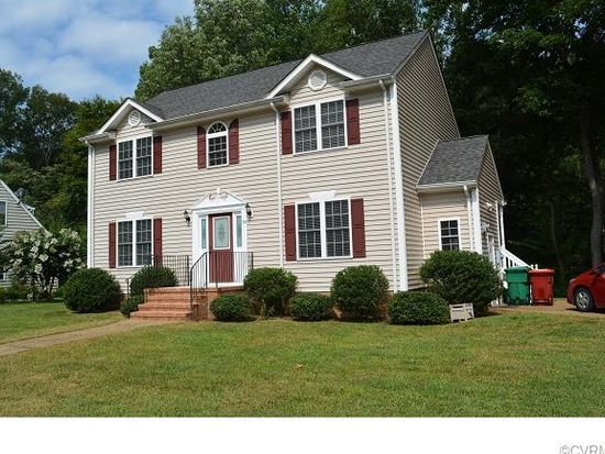 218 Breezy Hill Dr, Colonial Heights, VA 23834