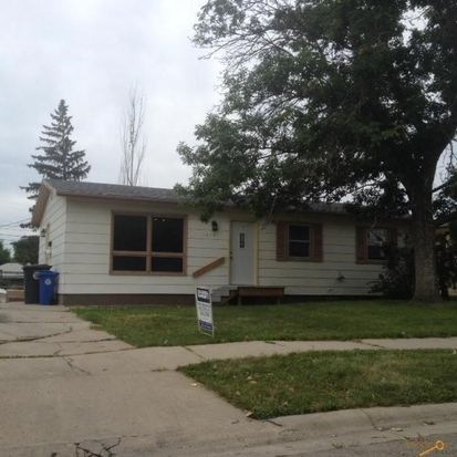 1415 Racine St, Rapid City, SD 57701