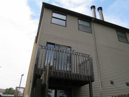 3040 Debra Ct # 15, Auburn Hills, MI 48326
