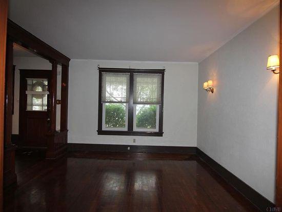 840 7th Ave, Troy, NY 12182