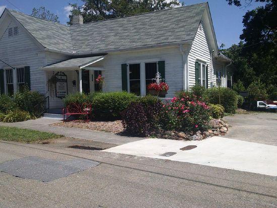 121 Brown St, Canton, GA 30114
