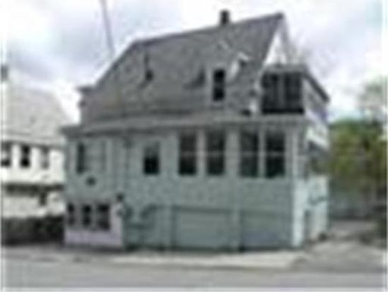 9 Chester St, Fitchburg, MA 01420