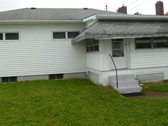 918 Sunset Ave, Grove City, PA 16127