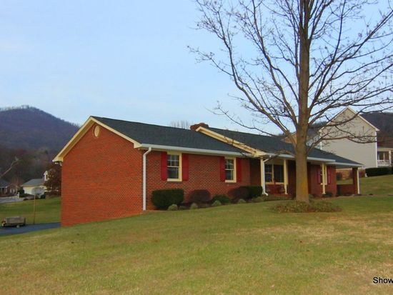 3908 Horsepen Mountain Dr, Vinton, VA 24179