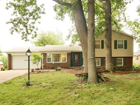 7110 Castle Manor Dr, Indianapolis, IN 46214
