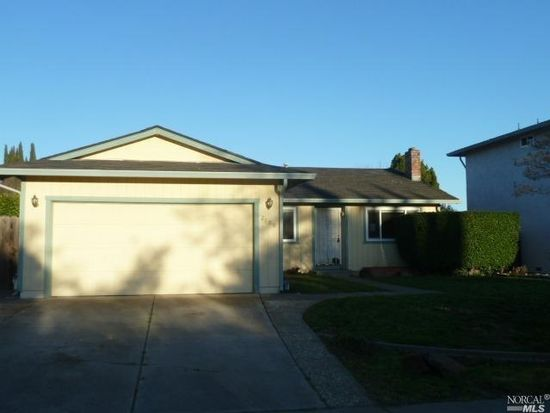 2100 Strauss Dr, Fairfield, CA 94533