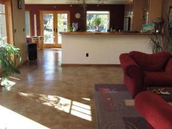 121 Wagle Ln, Mckinleyville, CA 95519